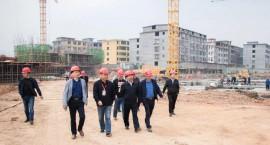 集团党委书记、董事长蔡伟琴现场办公推进江翰苑、锦湖苑项目建设